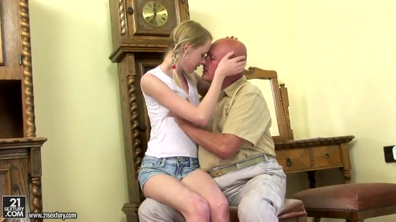 Young Jenni adores to bang with her mature friend dwarf girl sex
