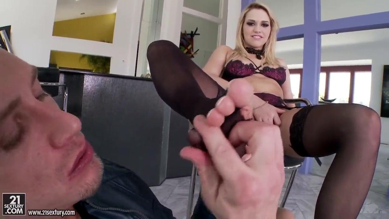Sex licking clit Lesbians