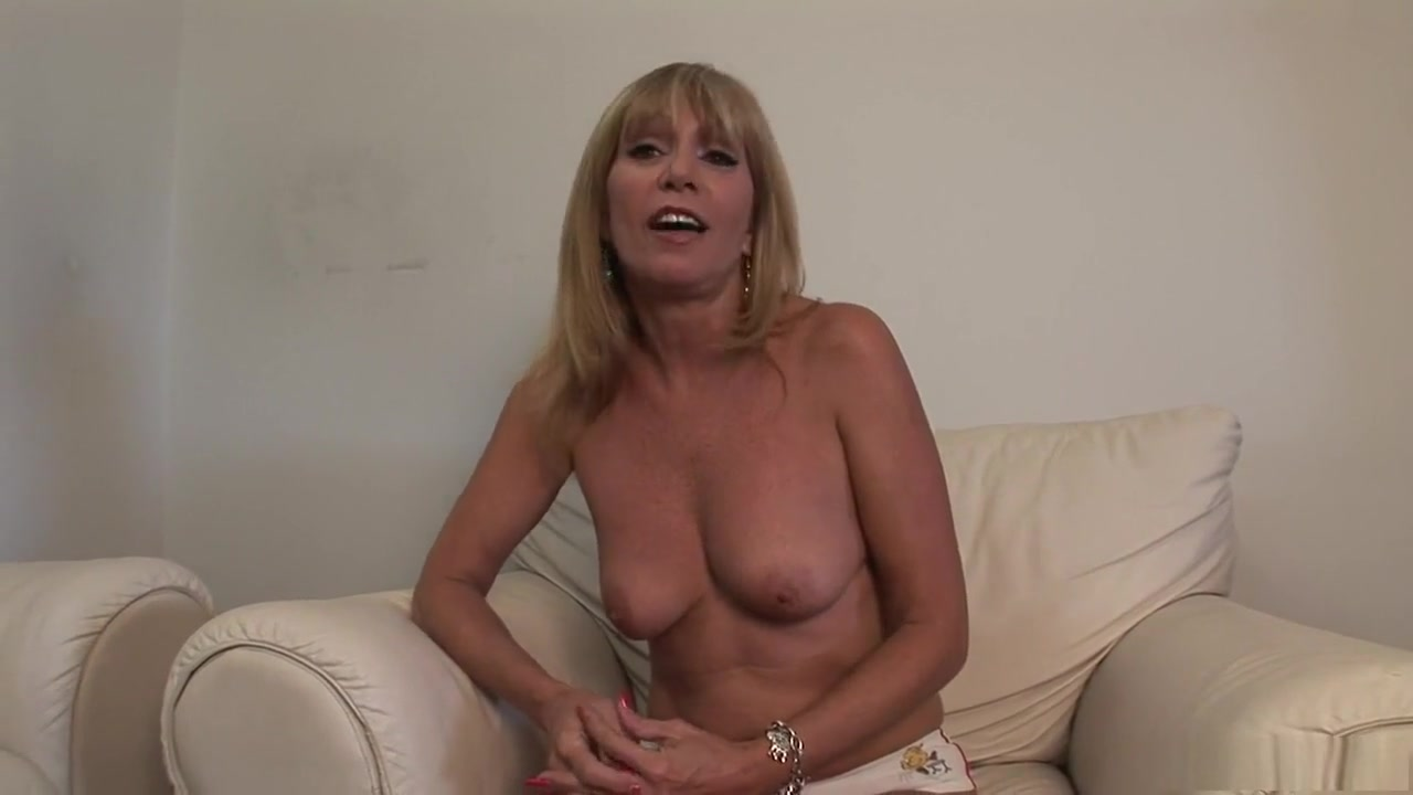 Nude photos Milf Reaches Orgasm On Top