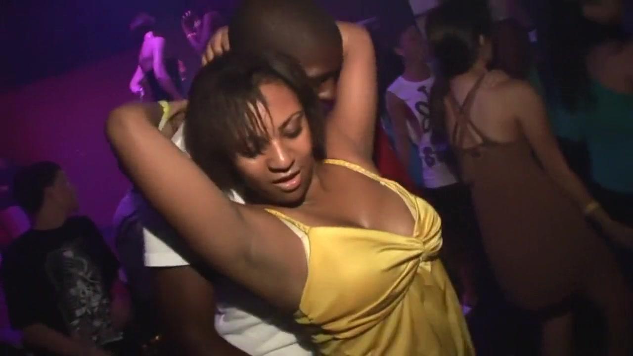 Porn archive Four girls lesbian kiss and masturbation Webcams-hundingcf