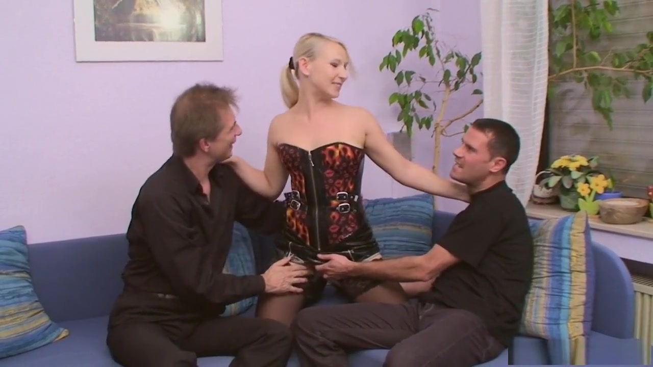 Sex photo Busty blonde milf gets fucked