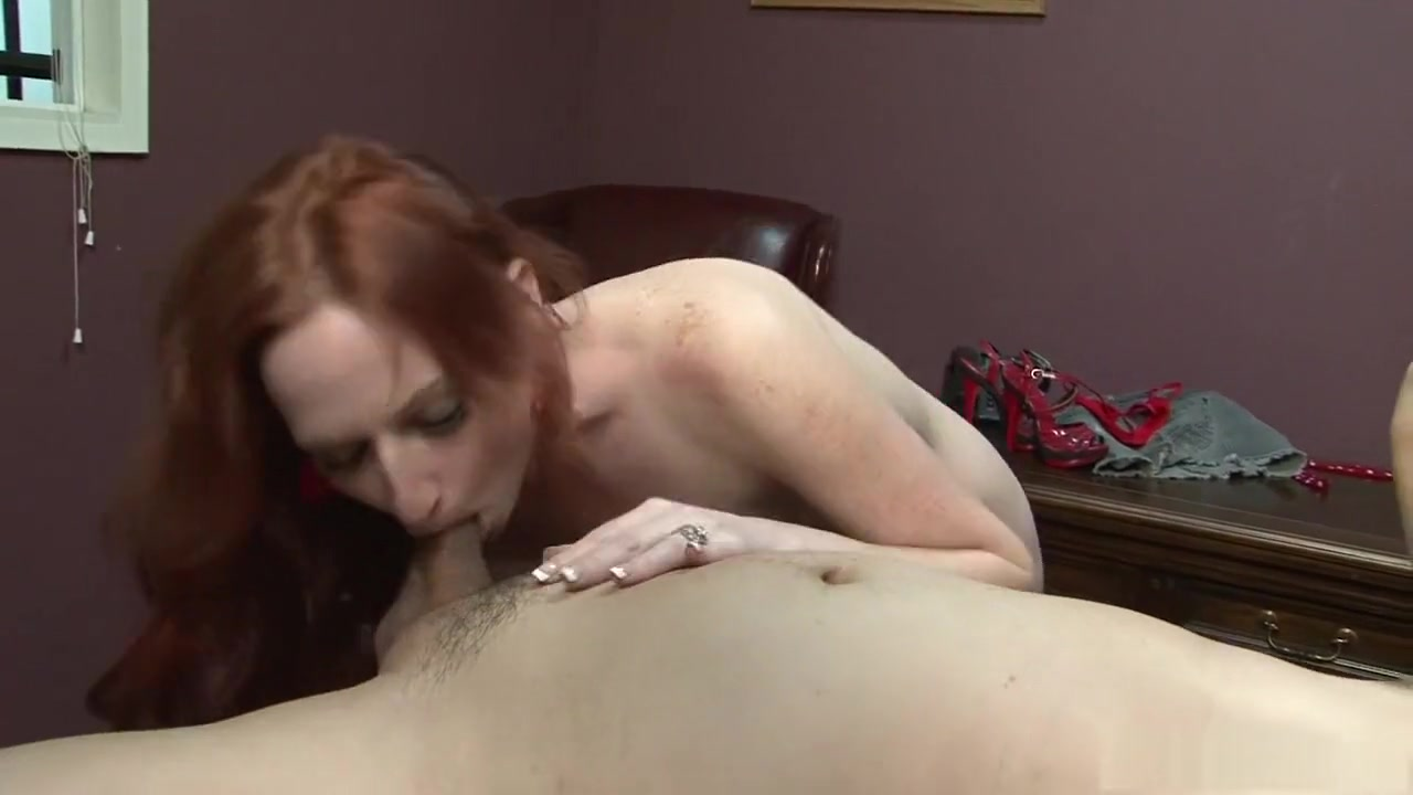 Naked Gallery Big busty mature porn