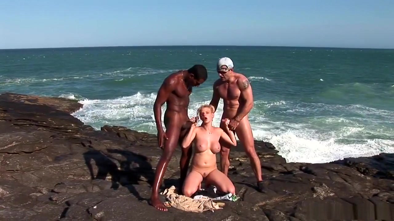 Ophelie bbw en mini gang bang Naked FuckBook