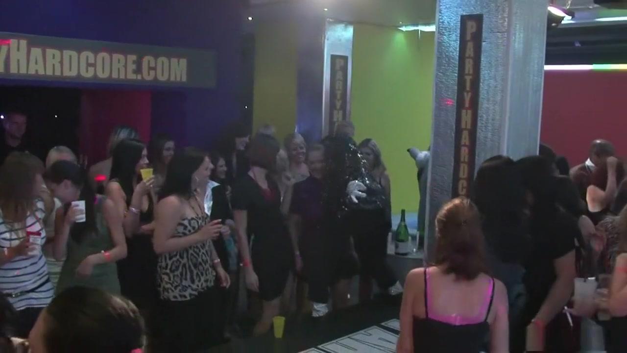 Pics Lesbie porno orgasim