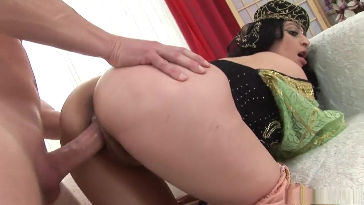 Sexy milf has huge squirt Sex photo