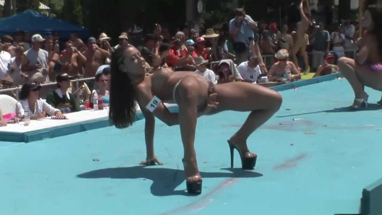 Porn Pics & Movies Mature lesbian sex orgy