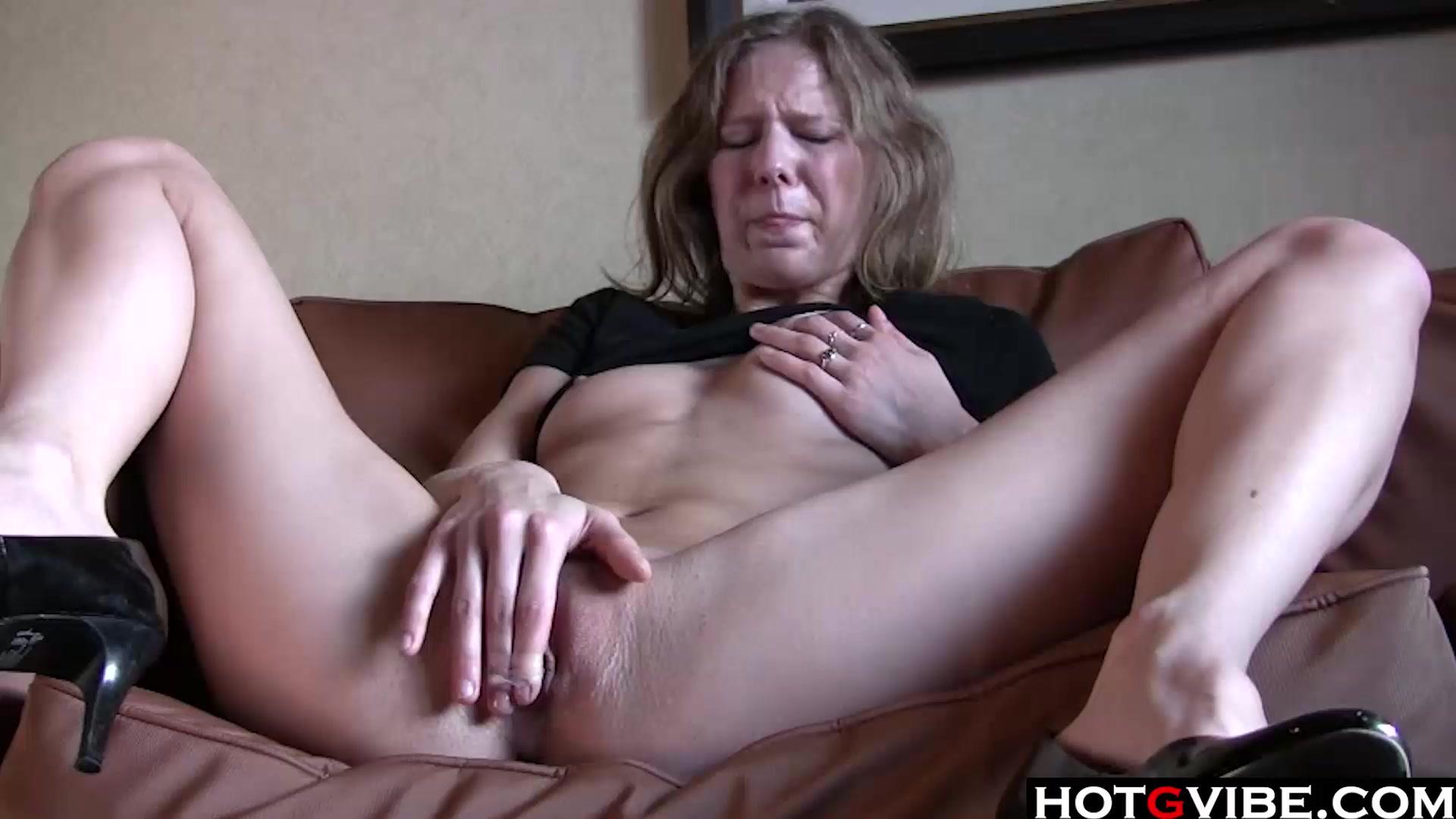 Slim blondie rubbing her pussy __  __  __  __