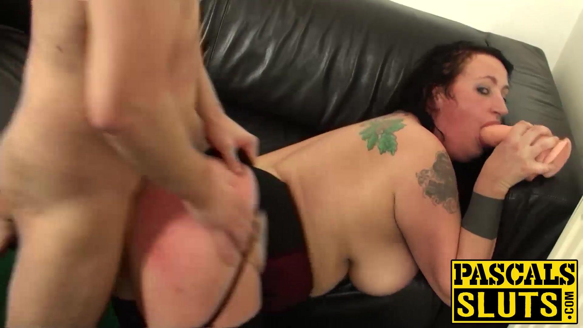 Hairy pussy landing strip women Naked xXx Base pics