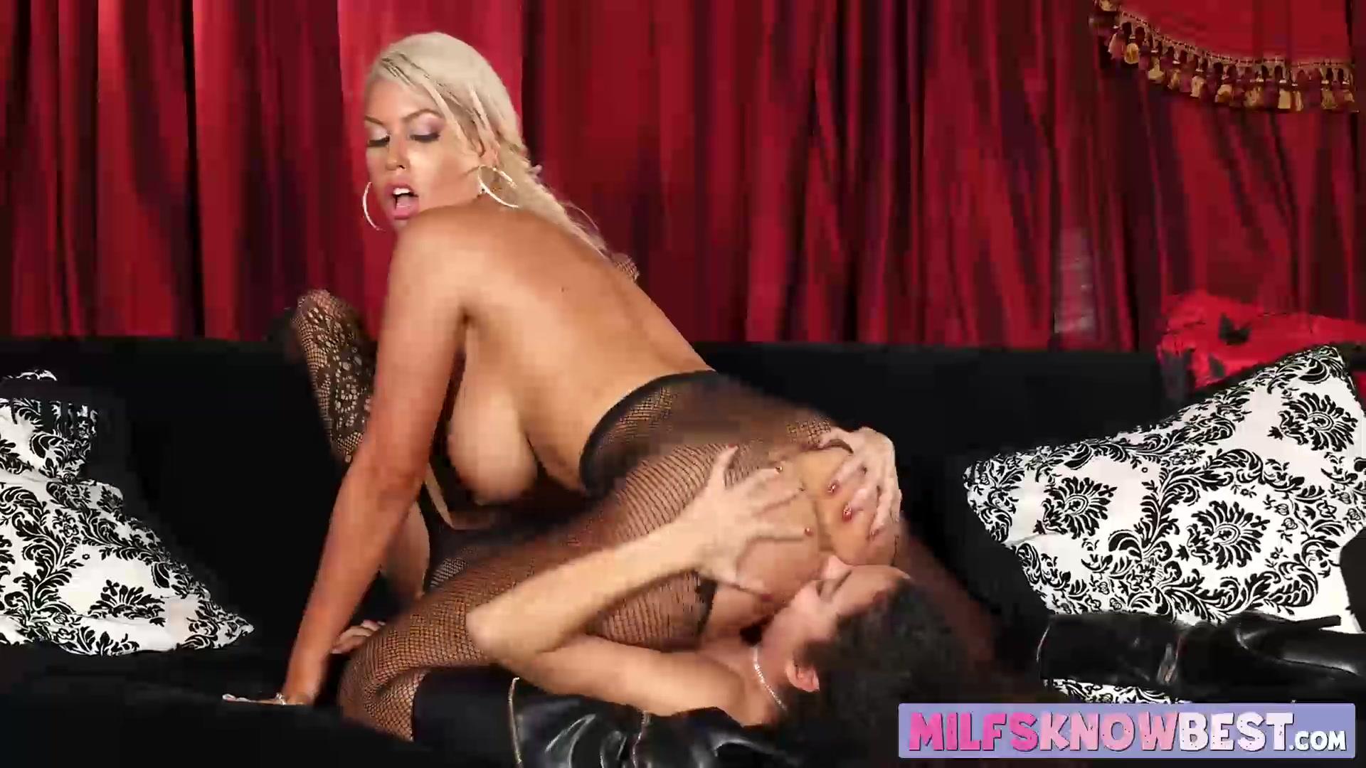 Lesbiar horny lickinh movil