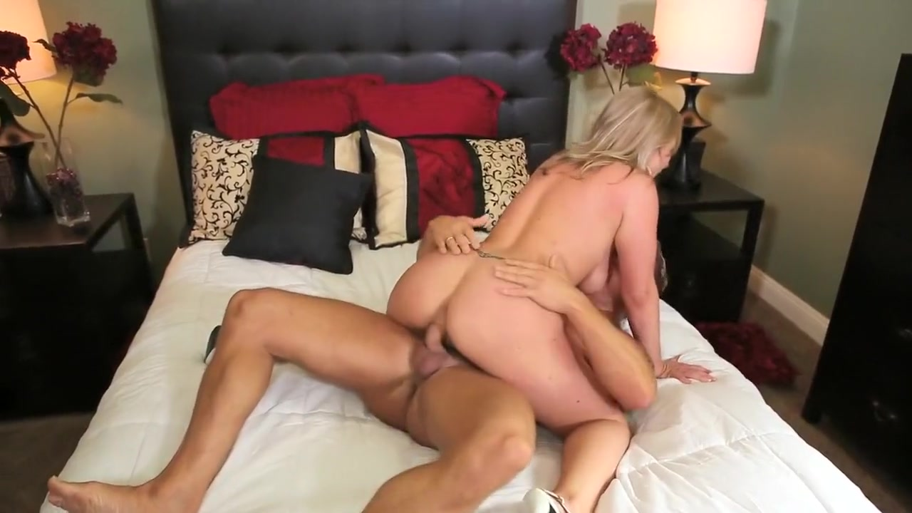 Pron Videos Hot and sexy brunettes