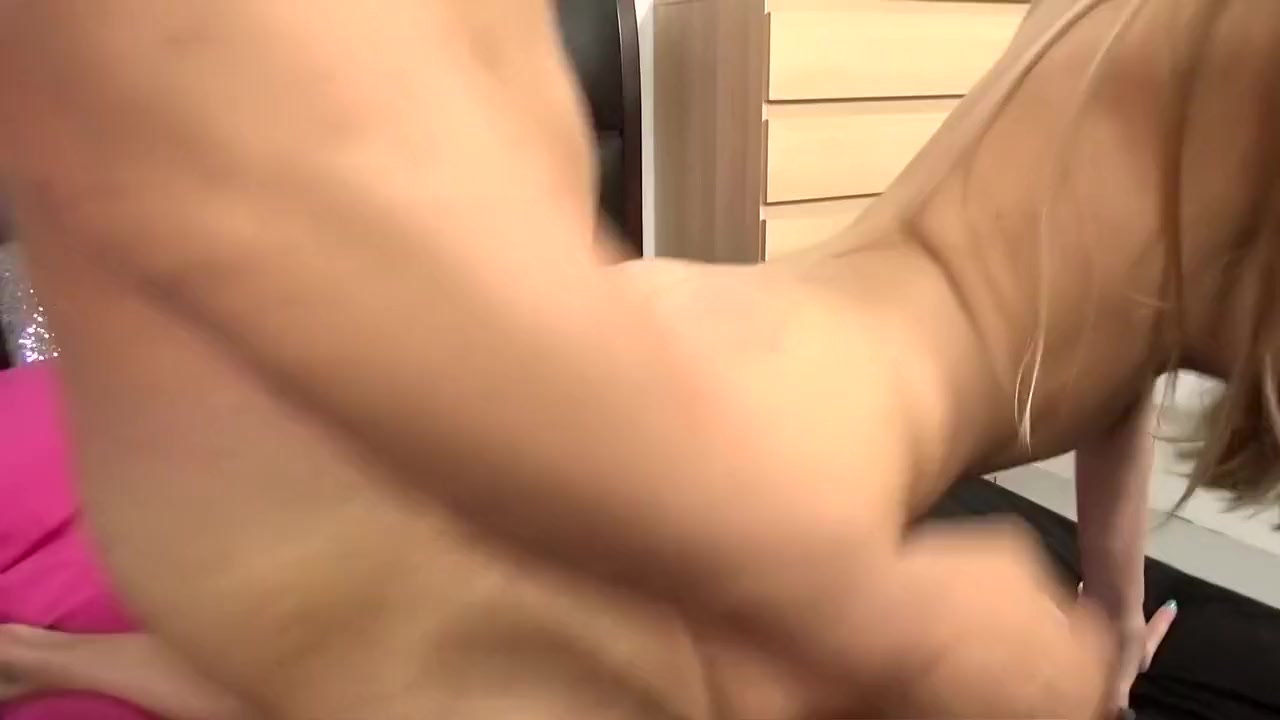 Shemale dick group sex Porn pic
