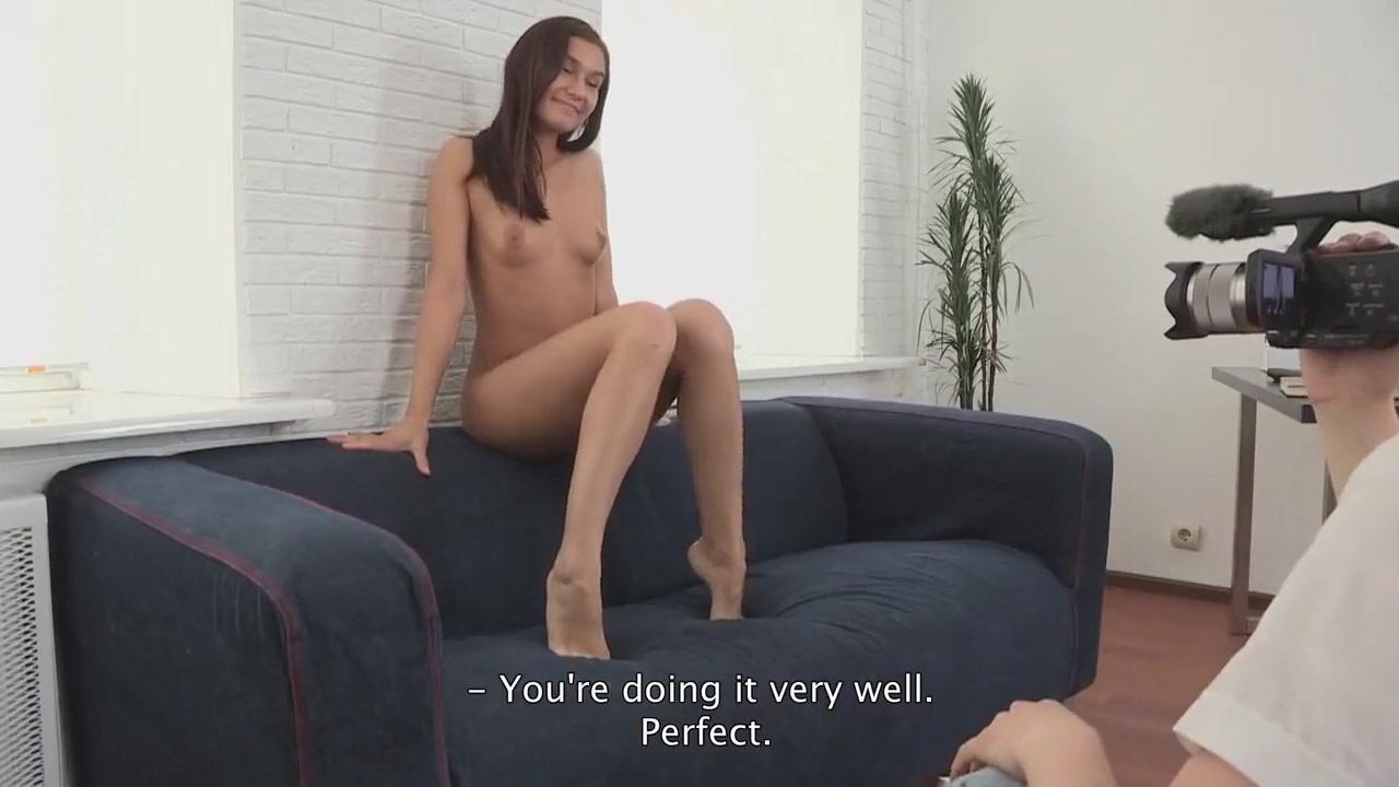 Milf mini skirt Porn pic