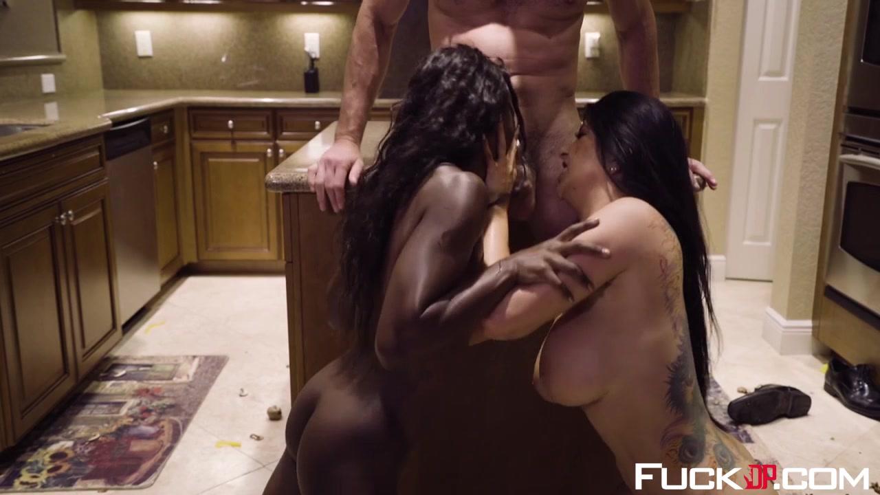 XXX pics Nude guys in bathroom