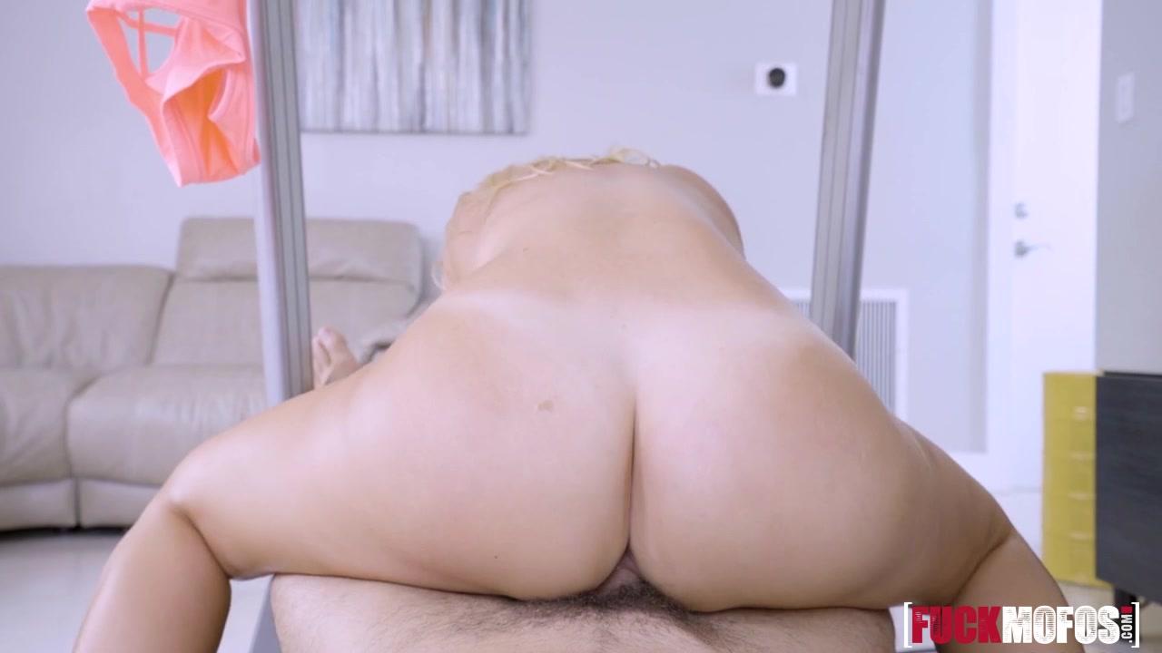 Naked 18+ Gallery Lipstick lingerie lesbians