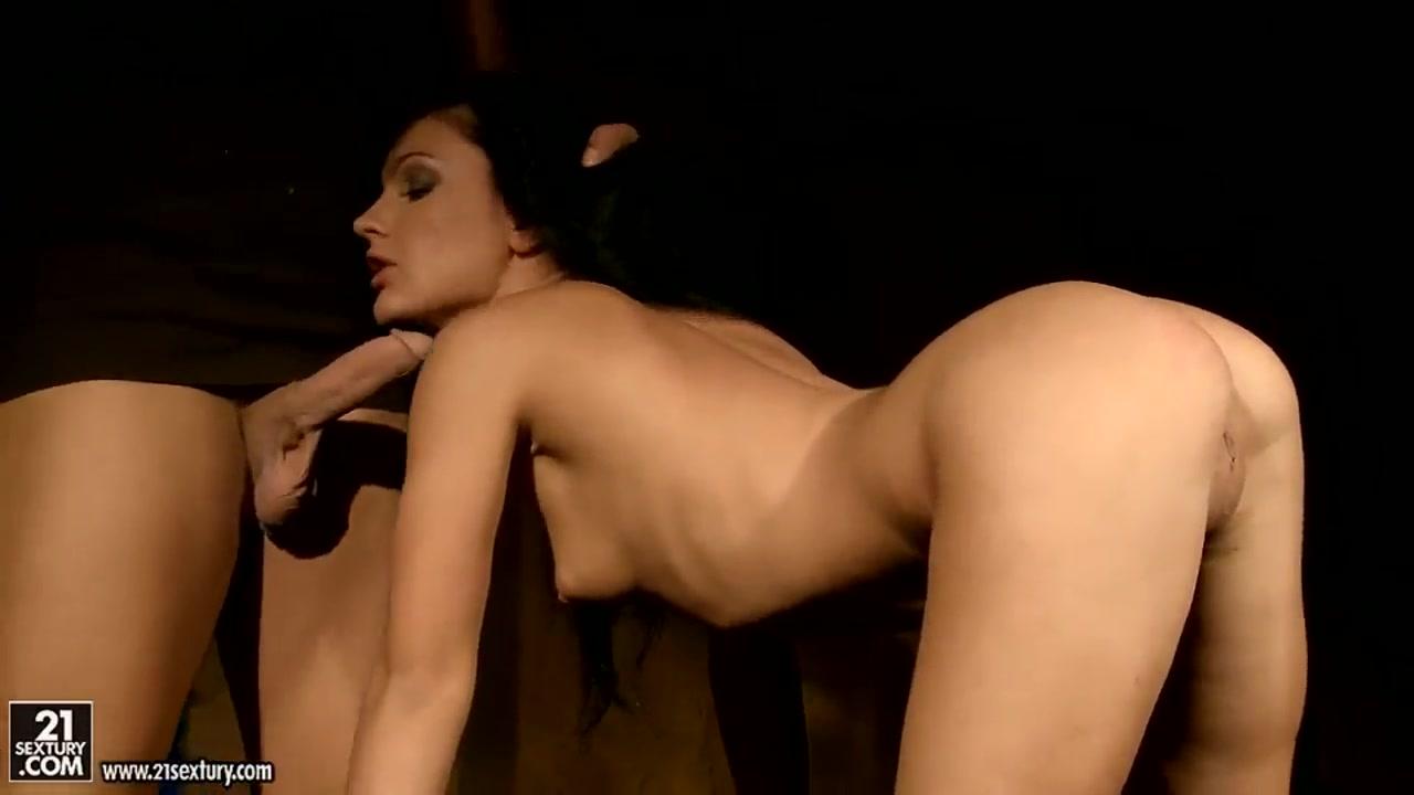 Nagmag online dating Naked Porn tube