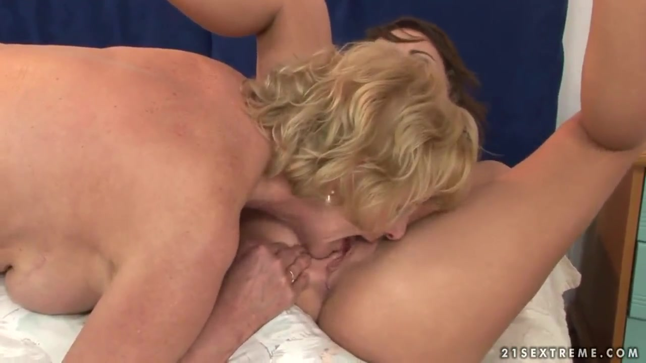 Porno photo Nude blond girl video clips