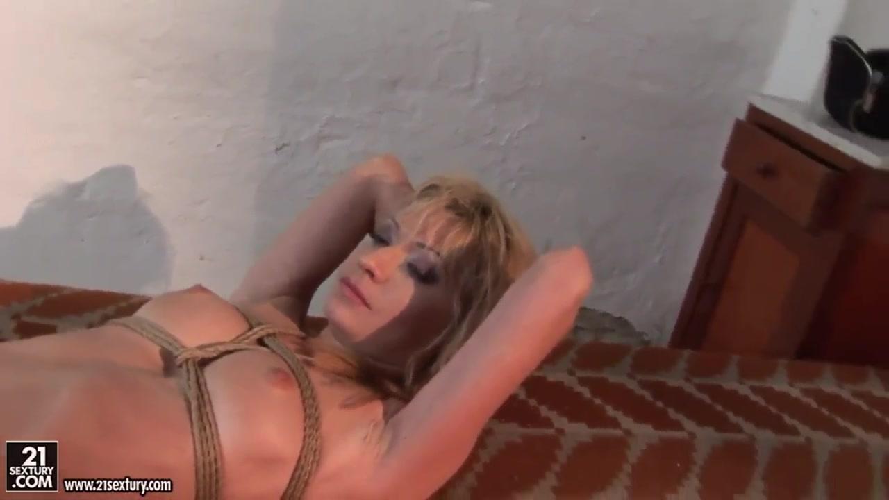 Porno fuckd clip Lesbo
