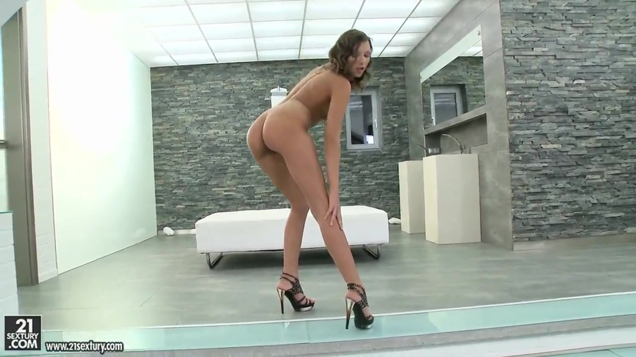 Porn clips Sexy babes naked pussy