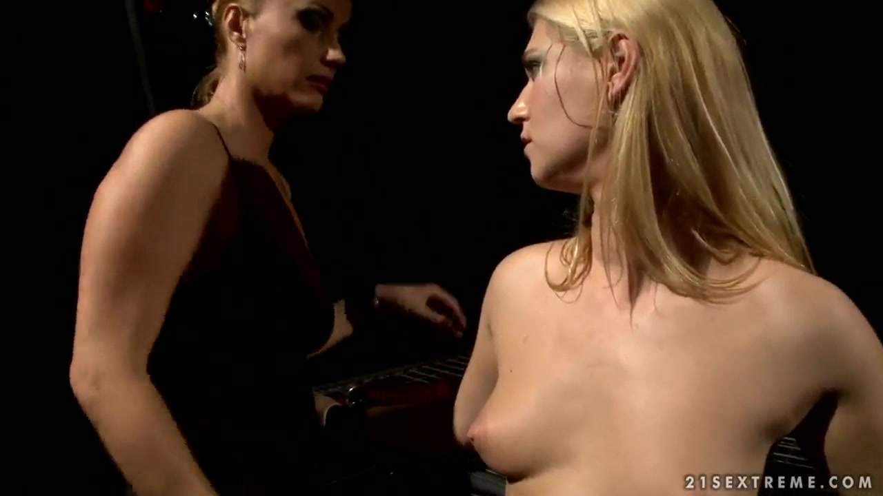 Pussy movies close up