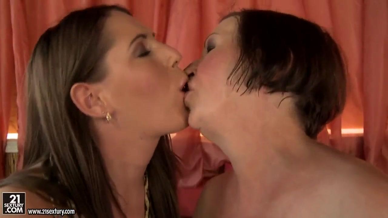 Lesbien masturbated Milff sluts
