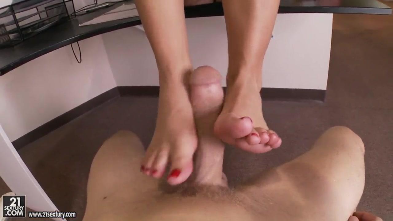 carmen elctra strip tease Porn galleries