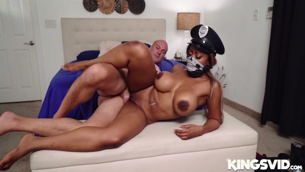 kindra lust ebony stepdaughter threesome hd Nude gallery