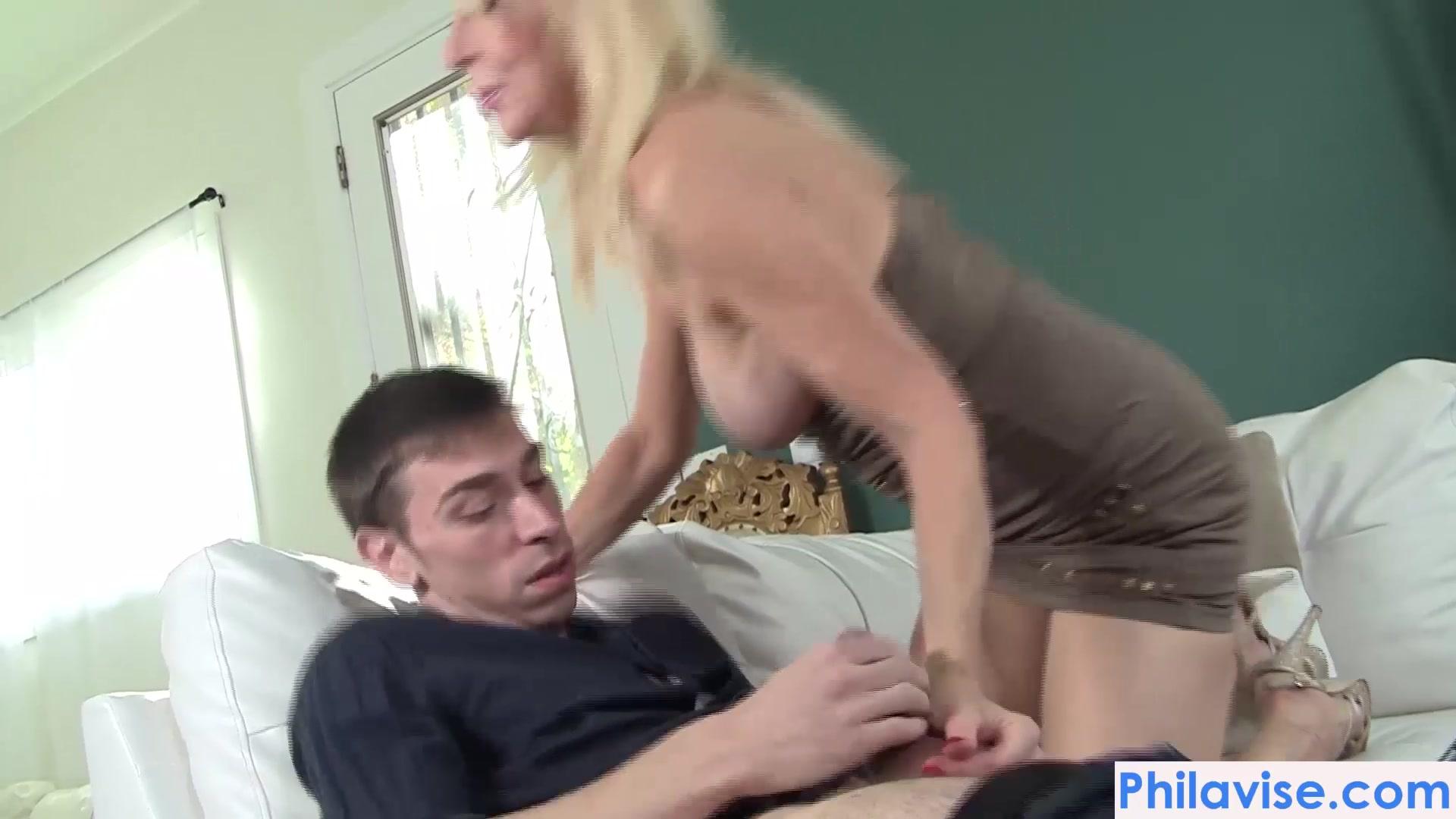 Sexy priyamani XXX pics
