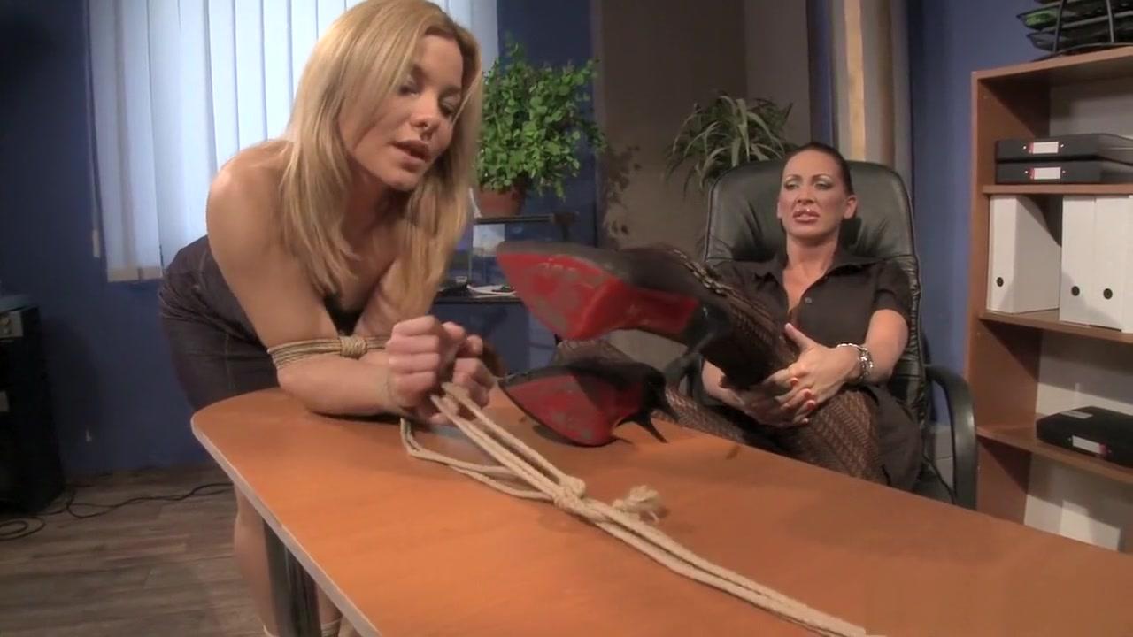 Porn archive Girls short hair fetish