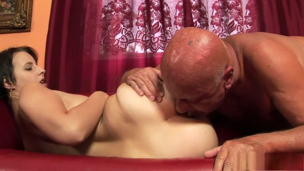 chubby milf clips Nude 18+