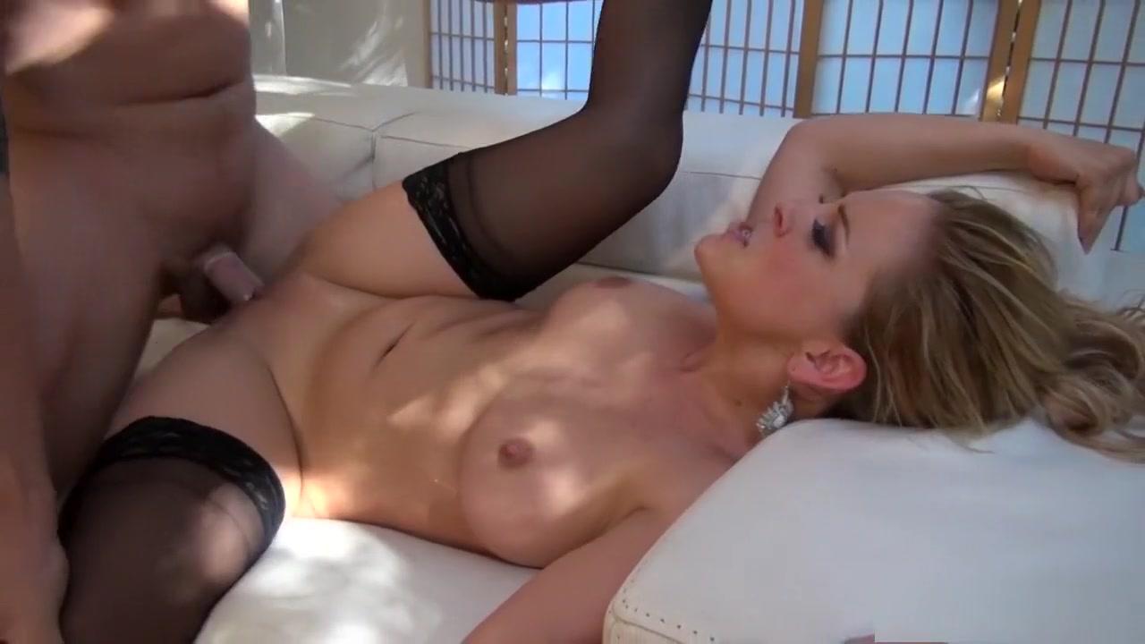 Hot Nude Thick ebony masturbation
