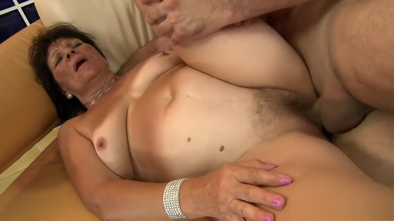 Hot Nude Cfnm jerk off all fours