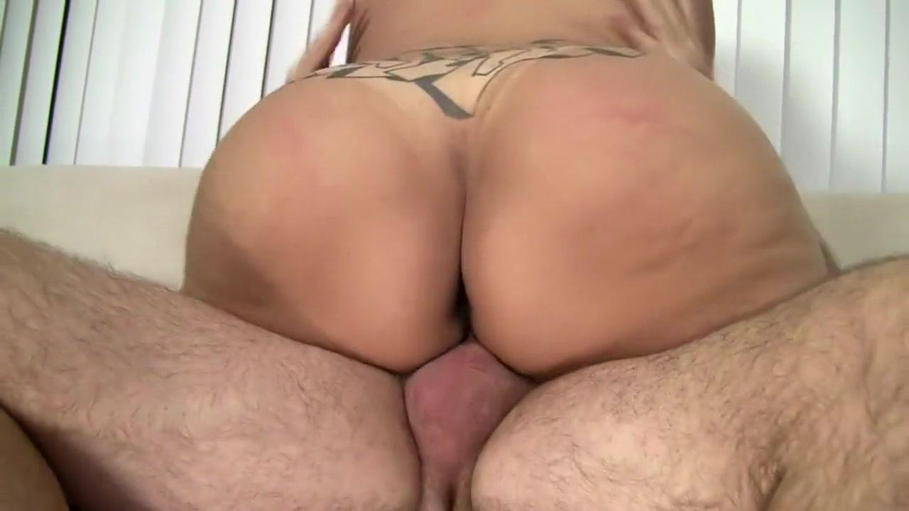 Porn pictures Blonde miltf