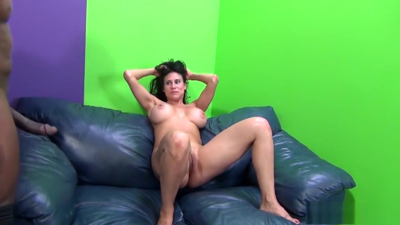 Tied up beauty receives pleasuring for her twat XXX Porn tube