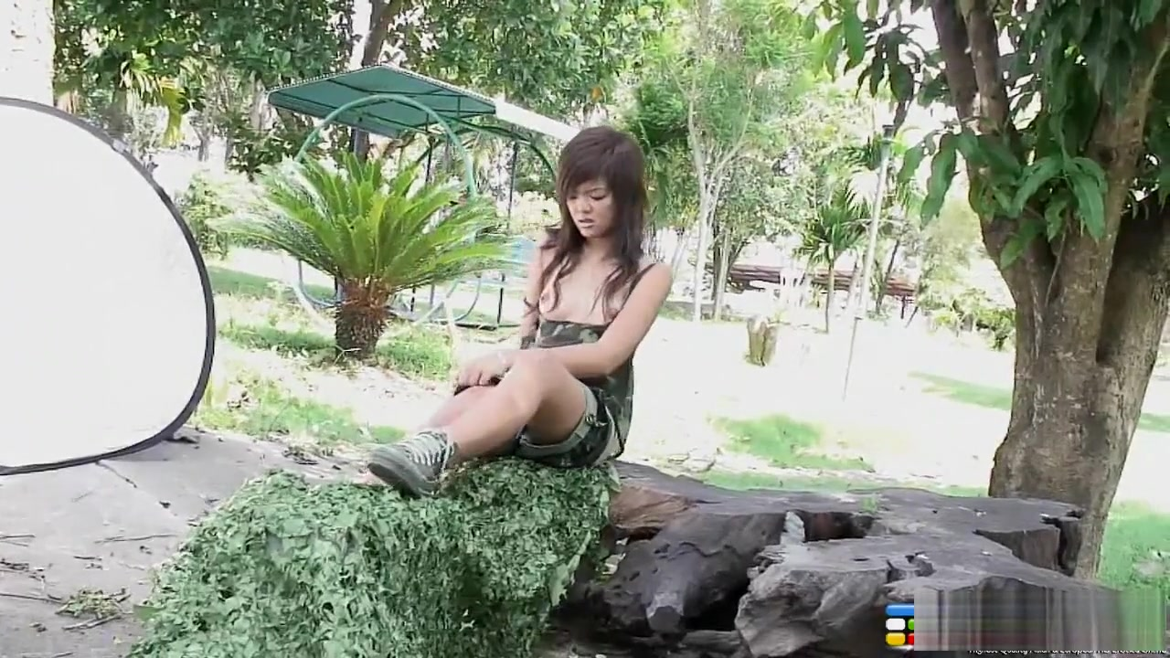 Hot Nude Ebony milf squirt