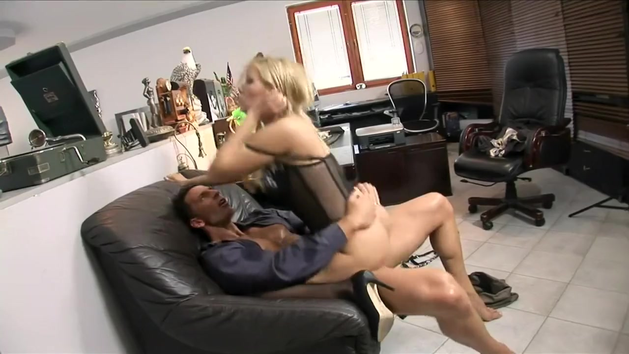Brunette hairy picture pussy Adult videos
