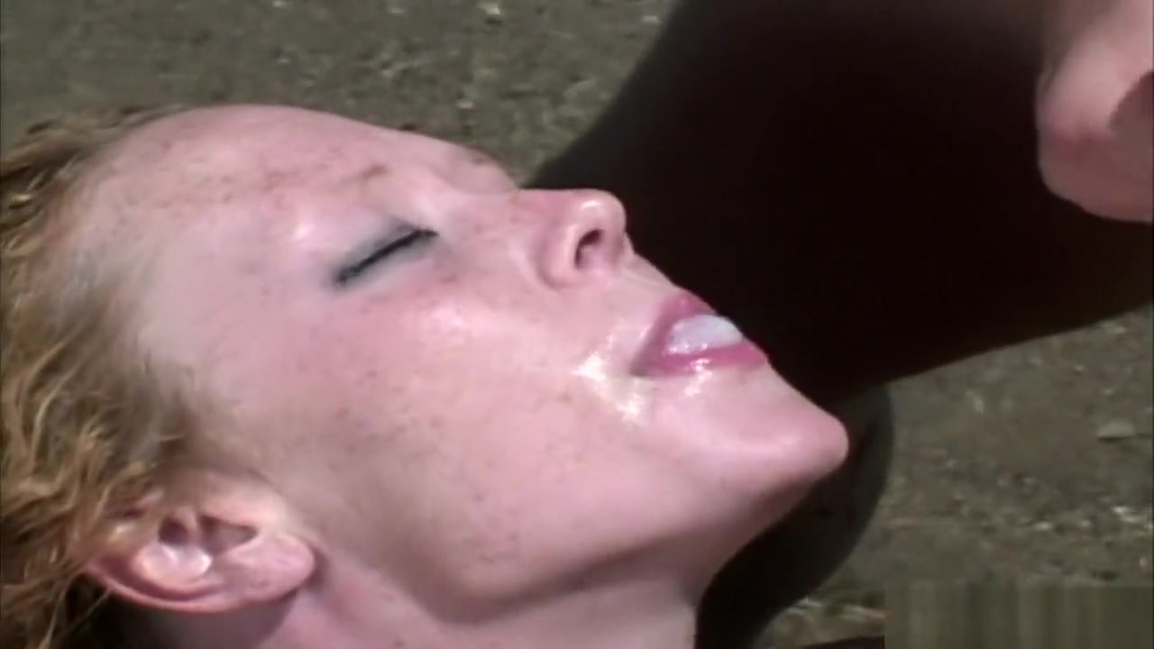 New porn Women masturbating with water