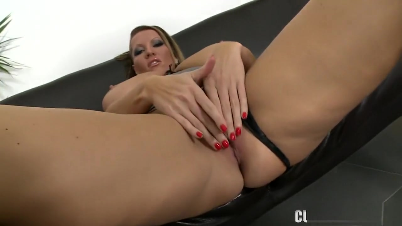 Porn Pics & Movies Women with big breasts nude