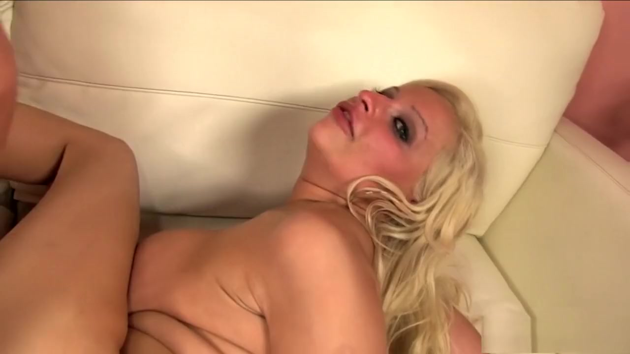 Nude photos Hottest milf (no sound)