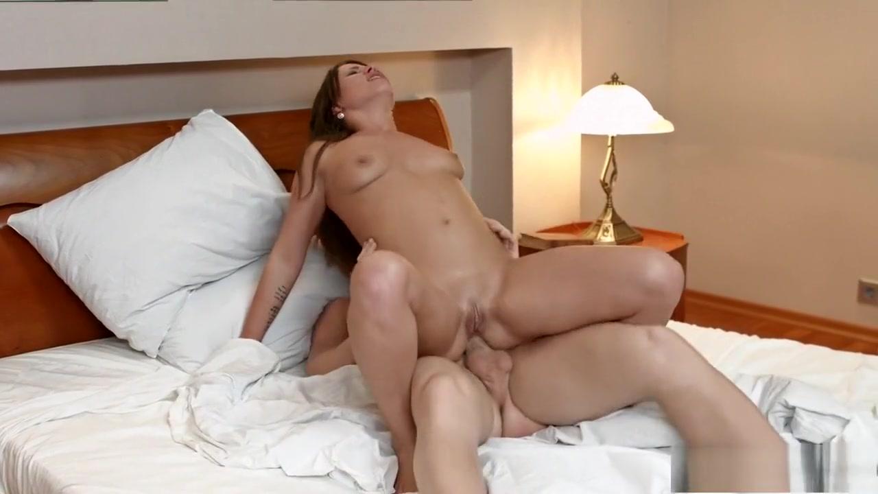 Sex photo Kasut sukan wanita murah online dating