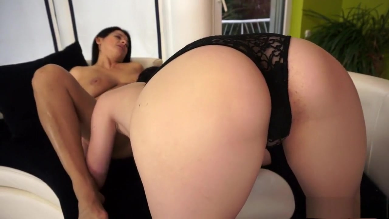 Sext clip Lesbianx masturbate