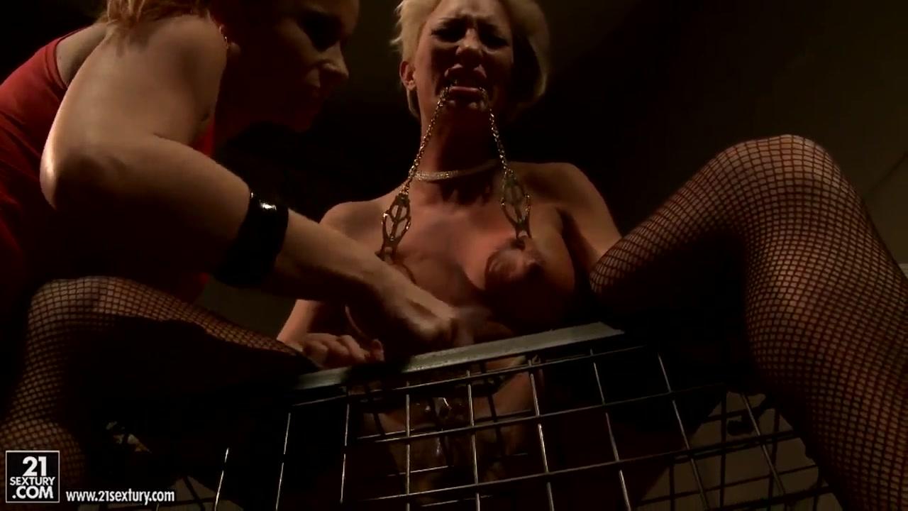 Lesbea masturbated Peeing porns