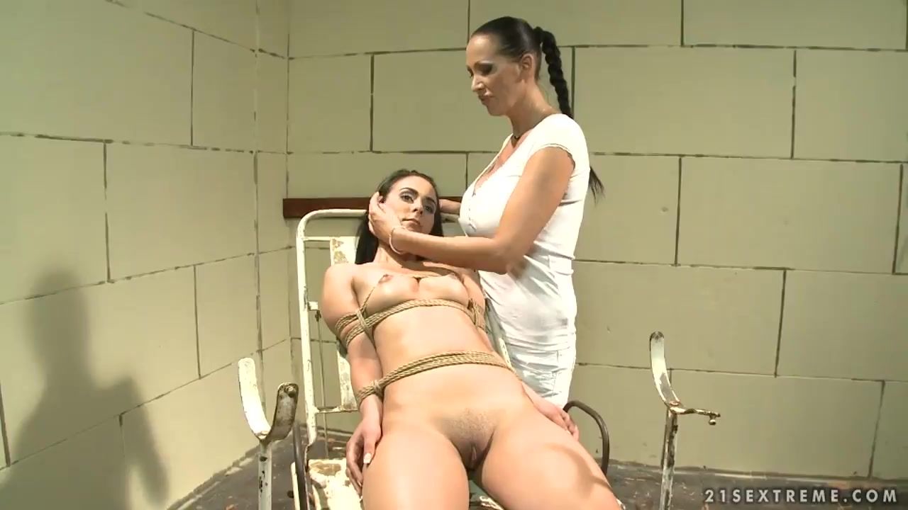 Hot xXx Video Giving a great blow job