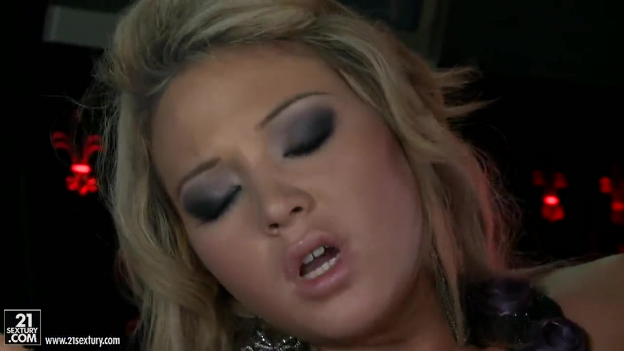 Lesbianx pornb orgee pornstar