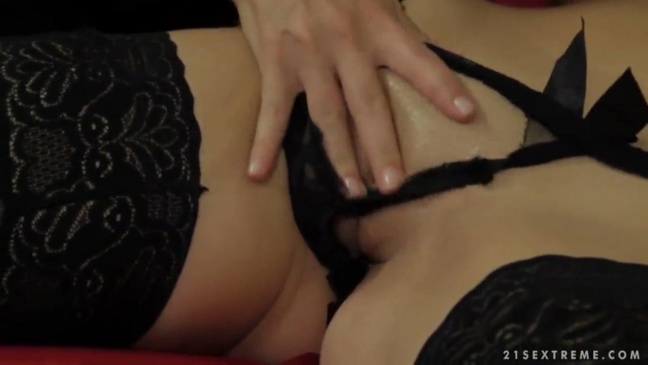 Gallery sexy slut swinger thumbnail Naked xXx