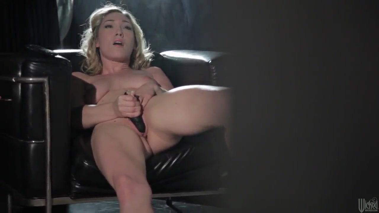 Sexes masturbates lesbiam Girlfriend