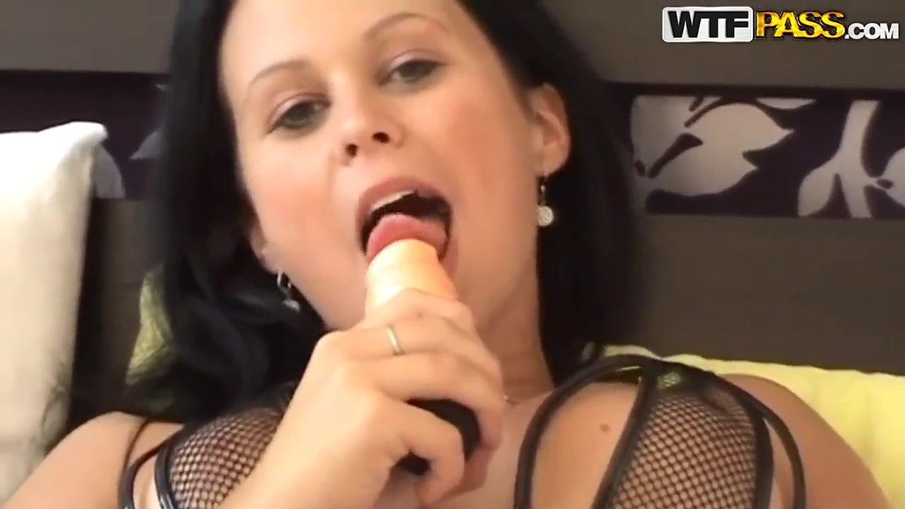 Blonde milf porn movies Naked Galleries