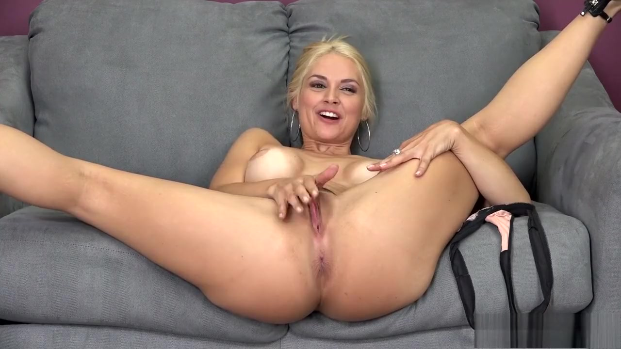 Naked xXx Free erotic videos for women