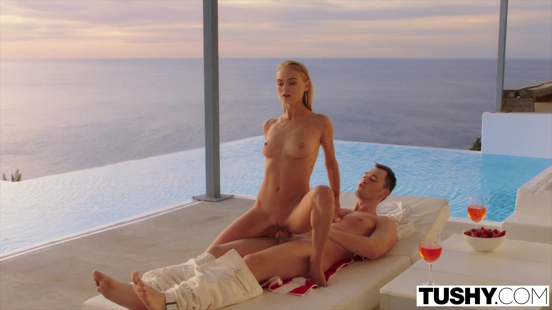 Hot xXx Video Dating female executives at work