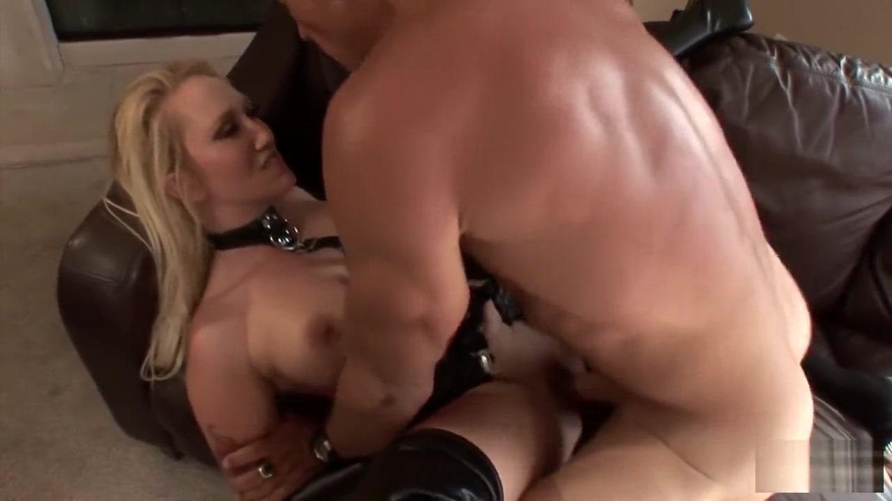 Porn FuckBook Hot babes naked beach