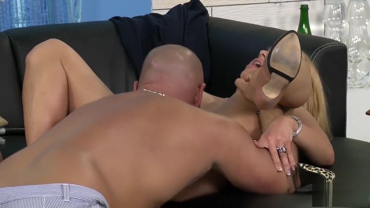Porn Pics & Movies Free naked tranny porn